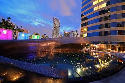 W Hotel Bangkok, Pool