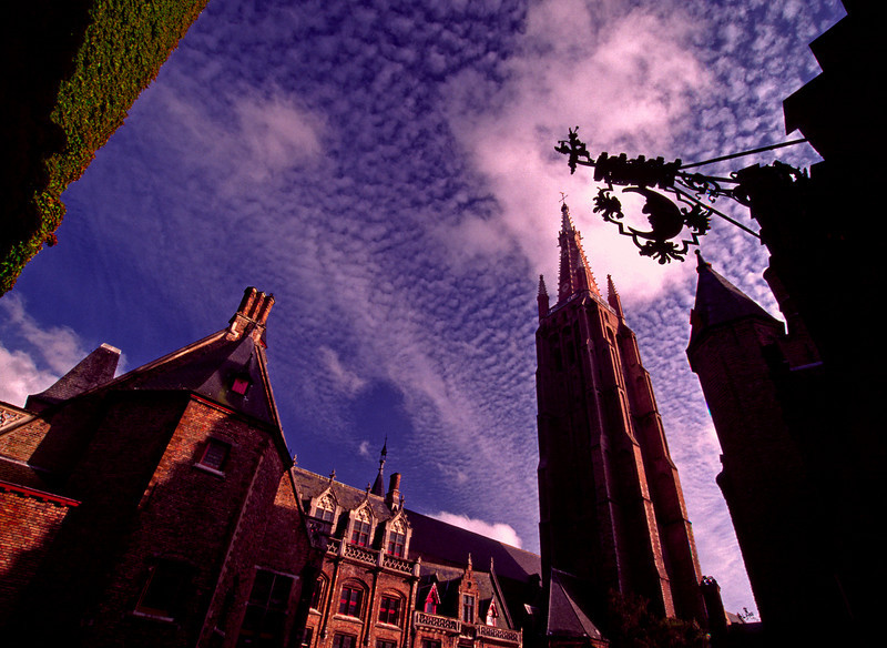 Brugge Churchyard