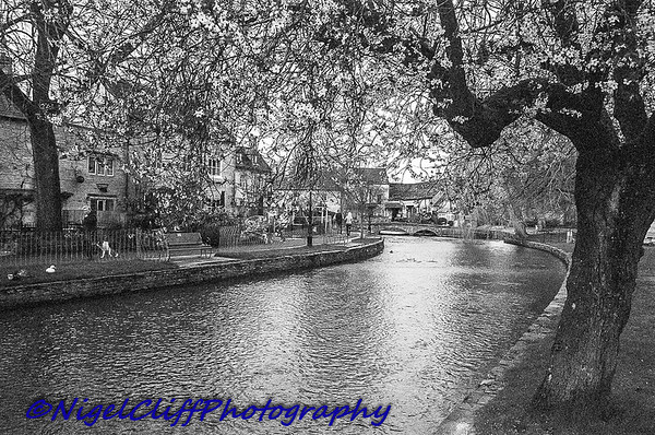 Bourton On The Water Canon A1 Tamron 28mm f2 5 KGold 400 09 03 201900003