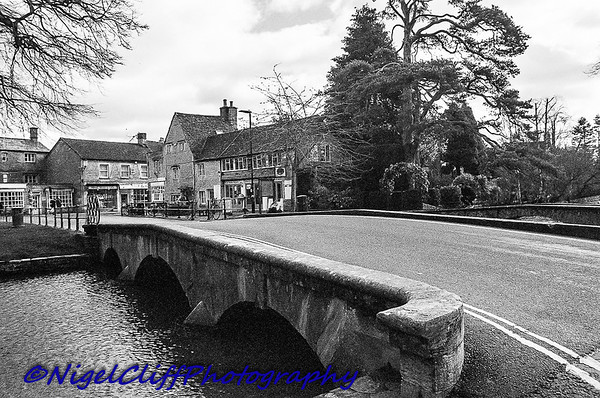 Bourton On The Water Canon A1 Tamron 28mm f2 5 KGold 400 09 03 201900005