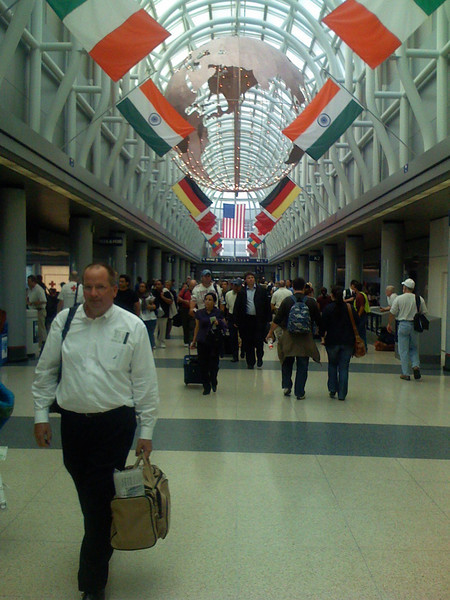 """This looks like the same airport corridor in the movie """"home alone""""??"""