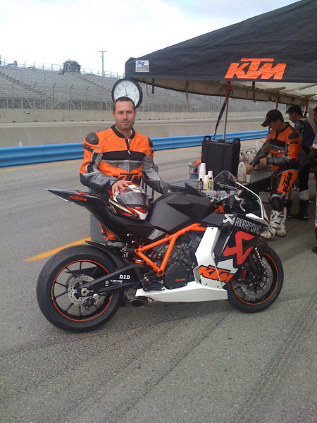 In August 09 I got to ride the all new KTM1180 on Laguna Seca!!