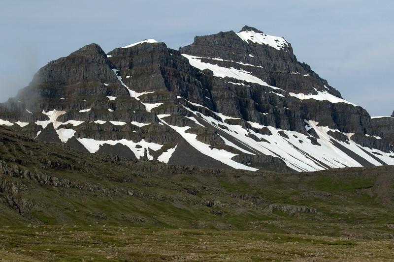 Háöxl (peak) - along the Hvalfjall (mountain).