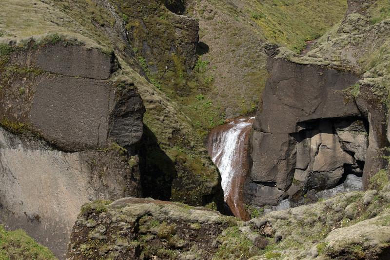 Mögáfoss (falls) - Fjaðrárgljúfur (Feather River Gorge).