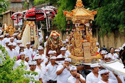 Traditional Balinese Hindu Procession, Ubud, Bali (4)