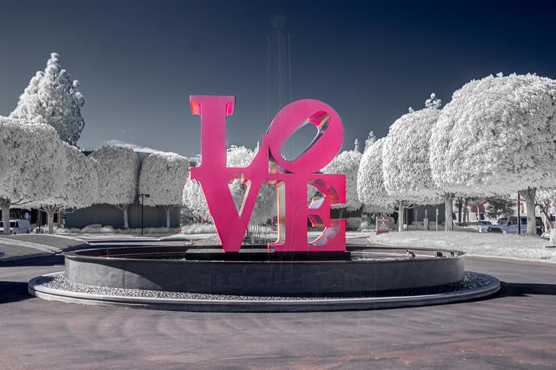 'LOVE' sculpture