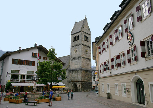 Across the Stadtplatz (town square) of Zell am See - to the tower and steeple, of the St. Hippolyte Parish Church