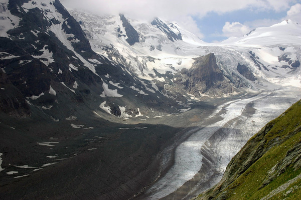 Along the vegetated lower slopes of the Fuscherkarkoph - up the Pasterze Glacier, past the Kline Burgstall, to the Johannisberg - Hohe Tauern National Park