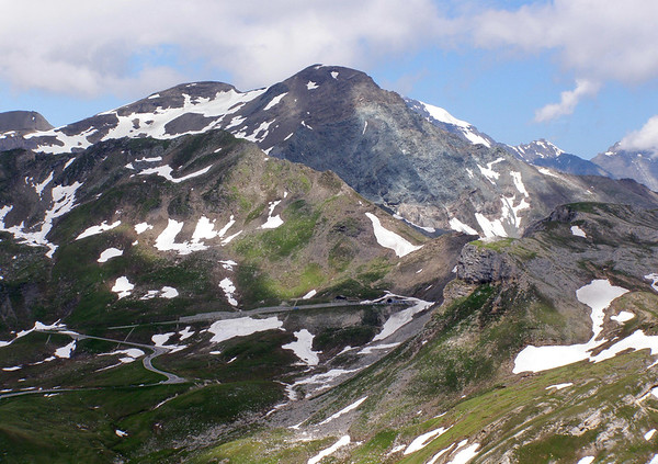Southern view, up to the Hochtor Tunnel - with the Sonnenwelleck behind - Hohe Tauern National Park