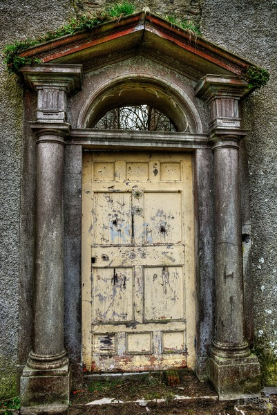 Door to Martyr's Mansion