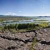 Le rift de Thingvellir (Þingvellir).<br /> <br /> Nous sommes sur la faille du rift qui sépare les plaques tectoniques eurasiatique et nord-américaine, un énorme fossé d'effondrement qui prouve l'activité tectonique intense de cette faille, qui traverse toute l'Islande.