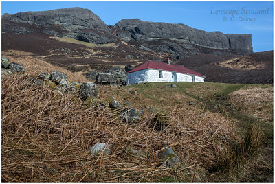 Grulin bothy and An Sgurr