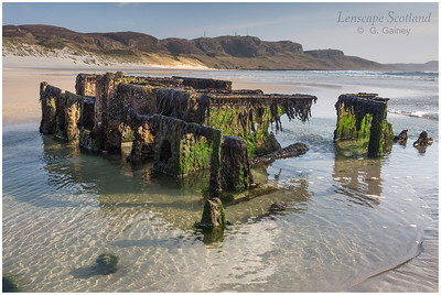 Machir Beach - remains of old shipwreck (2)
