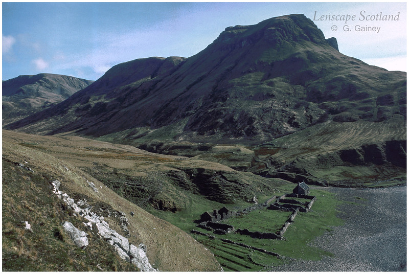Guirdil bothy and Bloodstone Hill 1 (1986)