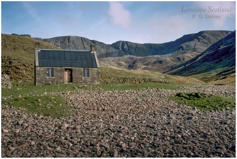 Guirdil bothy and Glen Guirdil 3 (1986)