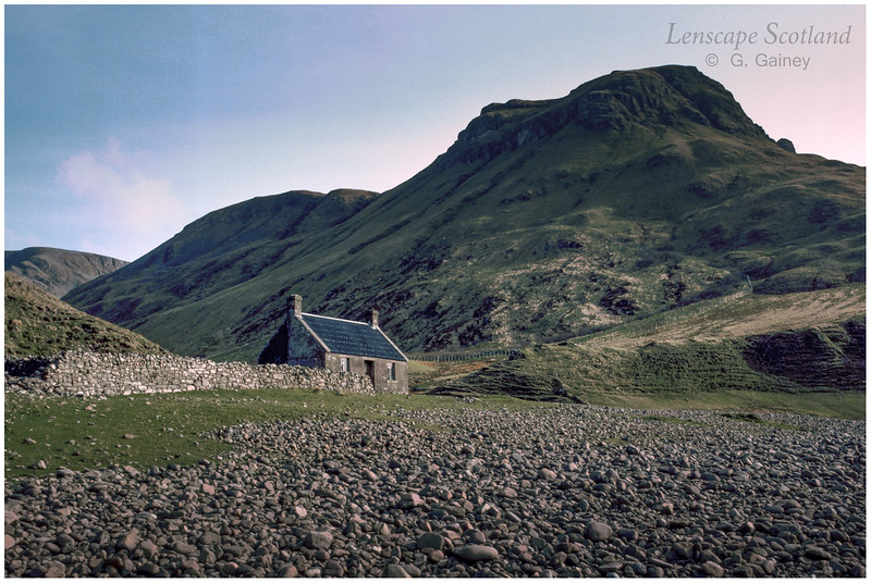 Guirdil bothy and Bloodstone Hill 2 (1986)