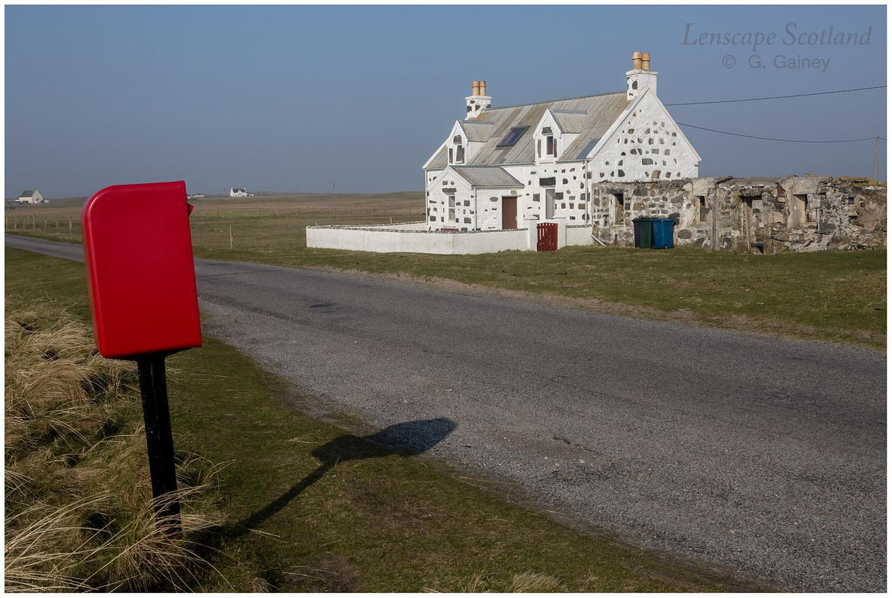 Red letter box near Vaul road junction, Kirkapol
