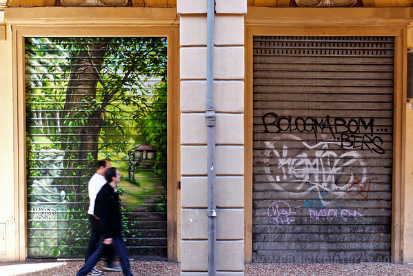 This Bologna Bomber (see right door) is still a graffiti novice, especially compared to Nambo (see left door).