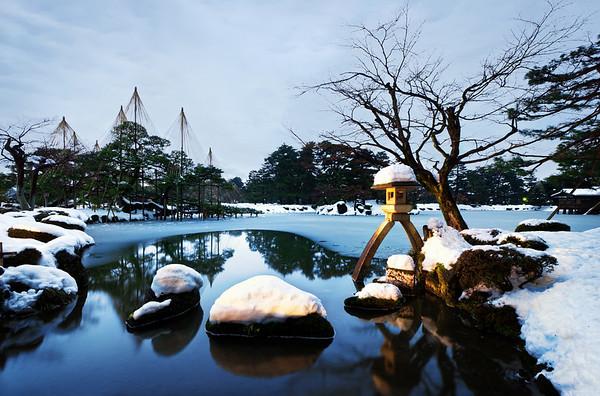 First Snow of Kenrokuen