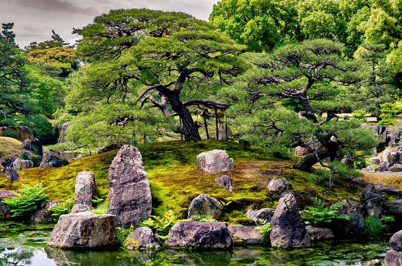Inner garden at Nijo Castle.