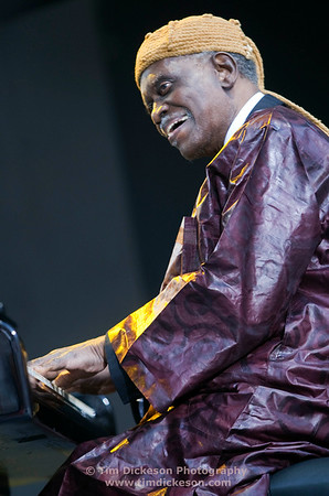 Hank Jones (Piano)