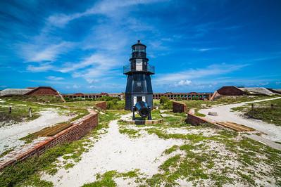 Lighthouse & Cannnon