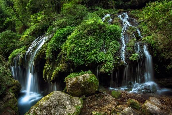 Yellow Dragon Waterfall