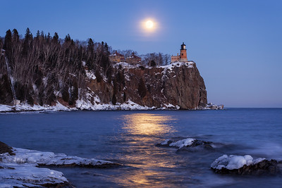 Wolf Moon at Perigee - Split Rock Lighthouse