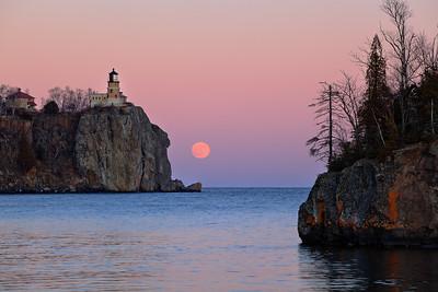 Moonrise - Split Rock Lighthouse