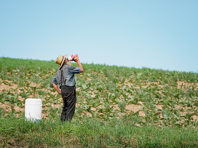 ©2020 Dennis A  Mook; All Rights Reserved; Lancaster County; Amish Farmer Drinking-000927