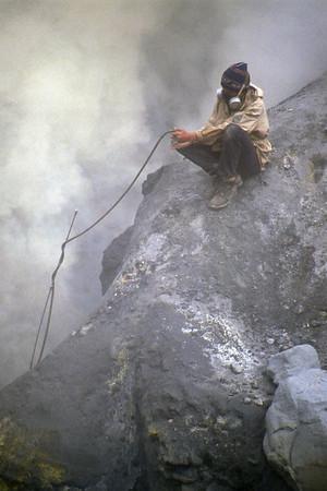 Vulcanologist at work in the Mutnovsky Volcano - Kamčatka, Russian Federation - Summer 1993