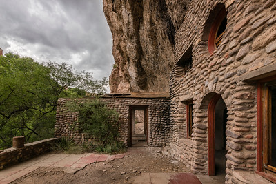 """Rock Cliff-House"""