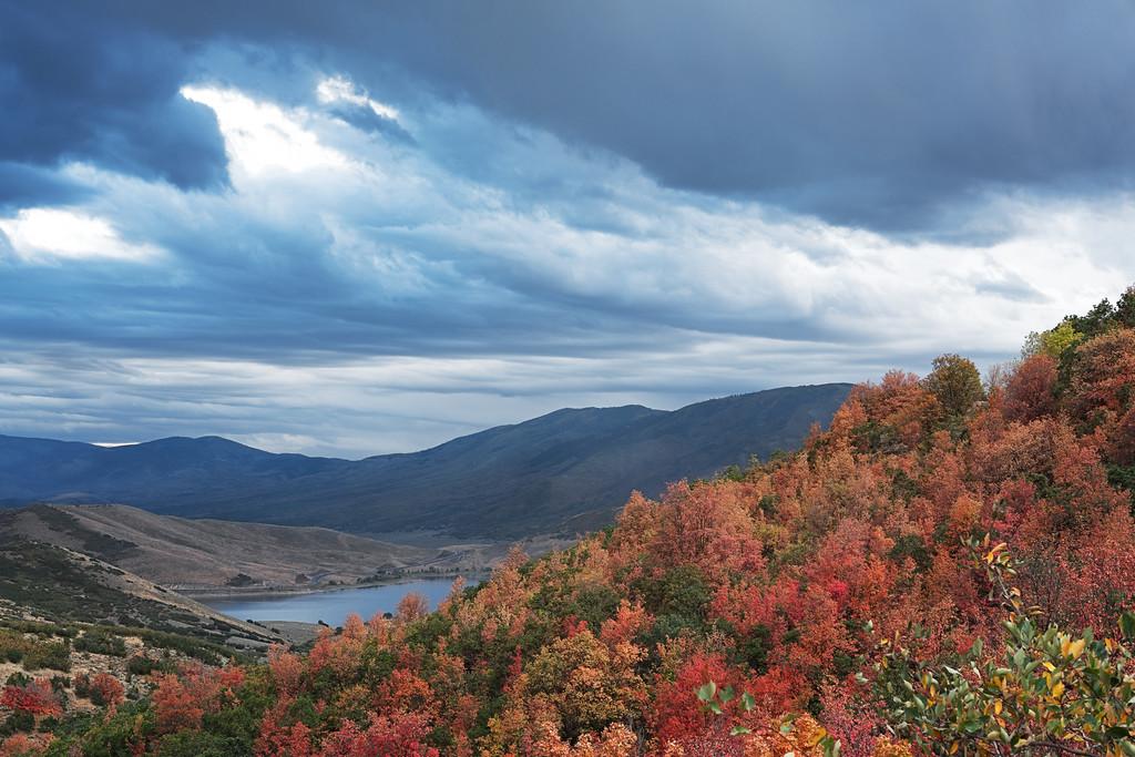 Deer Creek Reservoir in the Fall