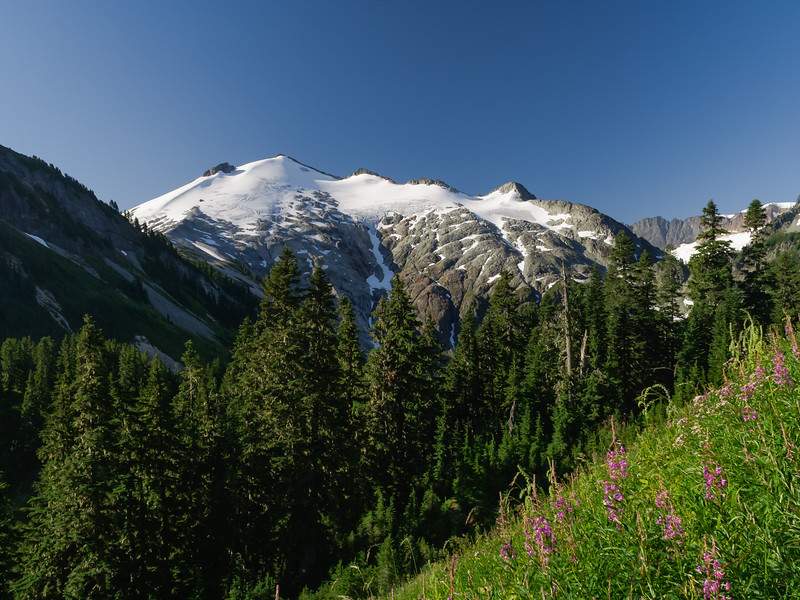 Ruth Mountain from the shoulder of Hannegan Peak, North Cascades NP