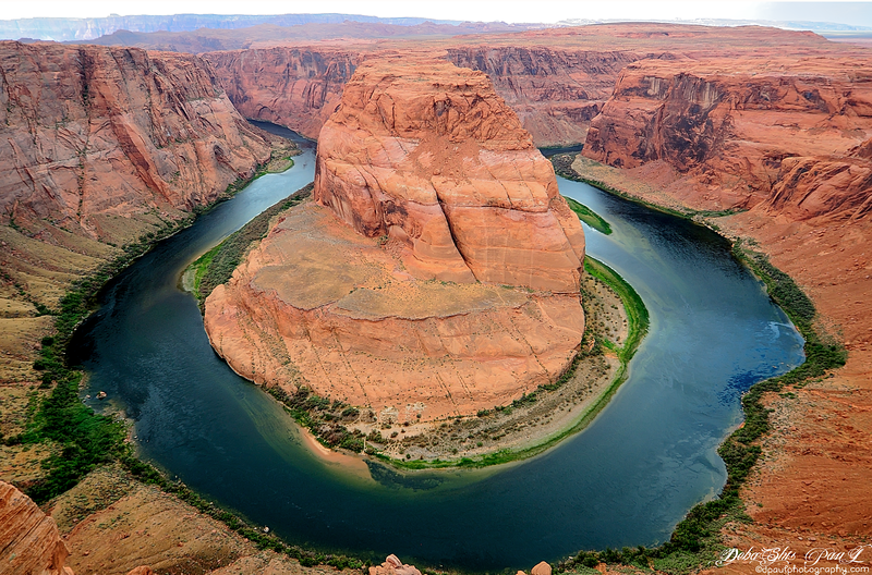 HorseShoe Bend with River Colorado