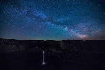 Palouse Falls under Milky Way