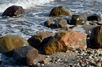 Beachcomber Beach Rocks
