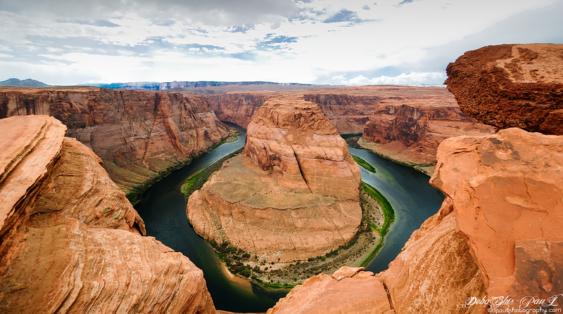 HorseShoe Bend with River Colorado - Page, Arizona - USA