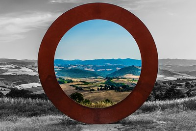 The Circle of Earth and Air | Tuscany, Italy