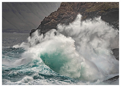 Big Splash in Iceland    Photography by Wayne Heim