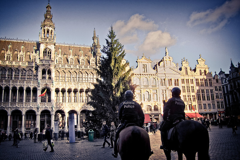 Police montee Grand Place