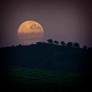 Moonset after the Blood Moon