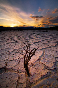 Eureka Dunes playa, Death Valley.