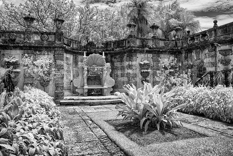 a courtyard in infrared