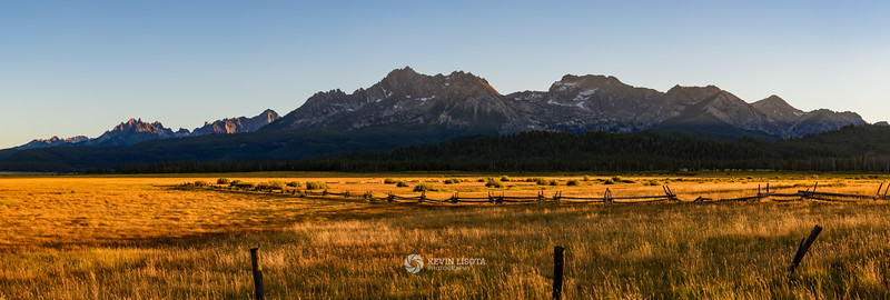 Idaho's Sawtooth Mountains at sunset