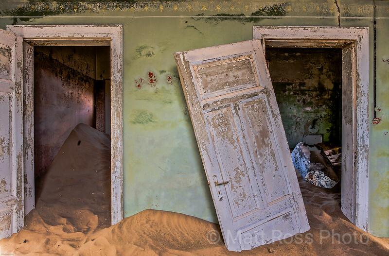 TWO DOORS, GREEN ROOM, KOLMANSKOP