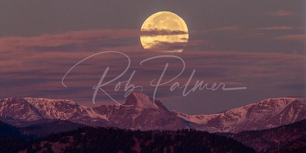 Moonset of Indian Peaks