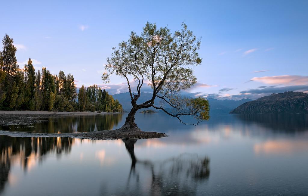 Lake Wanaka sunrise