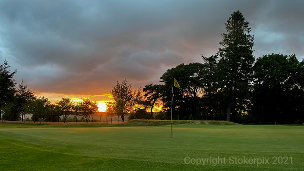 Goring and Streatley Sunset from  6th Green