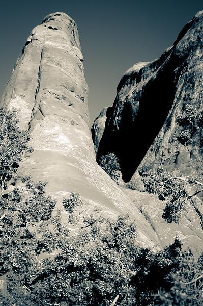 Arches Devil's Garden Cliffs, Split Tone